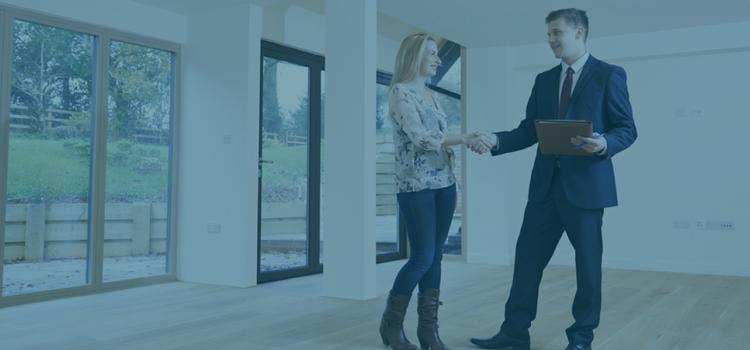 Hvor meget koster en ejendomsmægler?