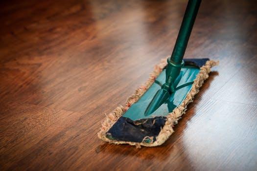Skal boligen renoveres inden salg? Få hjælp til rengøringsarbejdet